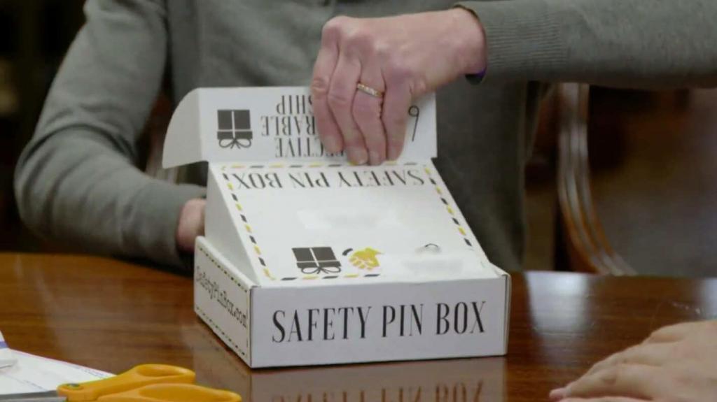 safety-pin-box